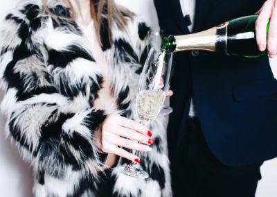 14 февраля красивые фото пара и шампанское