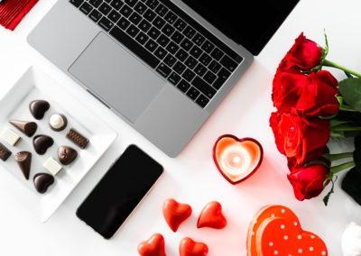 14 февраля красивые фото сердце бизнес ноутбук