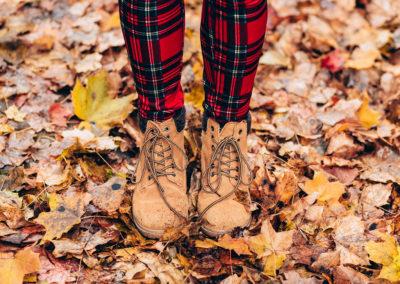 Осенние фото 2017 листья ботинки