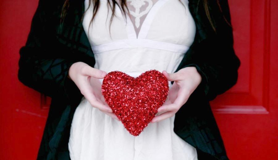 День Святого Валентина: бесплатные фото любовь, сердца, влюбленные парочки