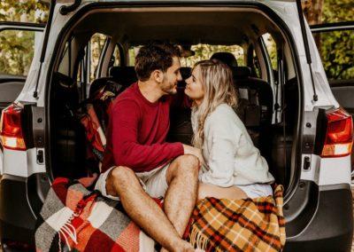 день Святого Валентина красивые фото влюбленная пара вместе в машине