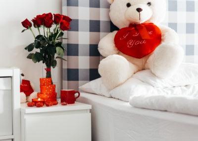 день Святого Валентина красивые фото плюшевый медведь с сердцем розы