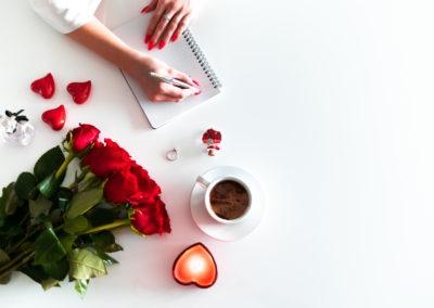 день Святого Валентина красивые фото раскладка флэтлэй розы кофе блокнот сердечки