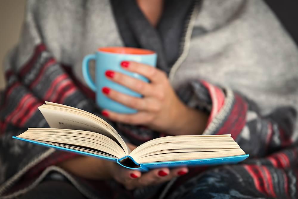 идеи фото осенью для инстаграм - читать книгу, завернувшись в плед